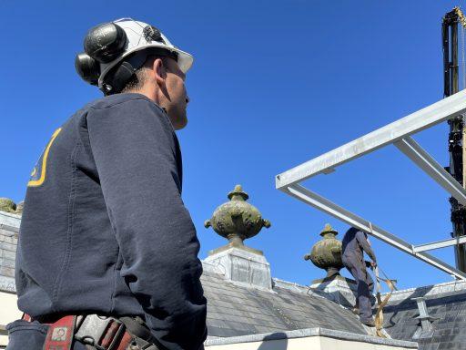 Afbeelding #012 voor het verhaal Een bijzonder karwei: zonnepanelen op het dak van de Koepoort in Middelburg
