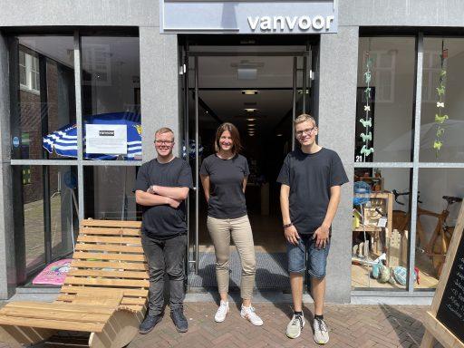 Afbeelding #020 voor het verhaal VanVoor geopend in de Nieuwe Burg