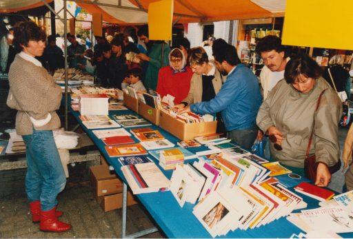 Afbeelding #002 voor het verhaal Een grootste boekenmarkt op de Burgpromenade, oktober 1985