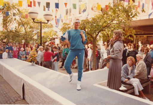 Afbeelding #023 voor het verhaal Modeshows op de Burgpromenade, oktober 1985