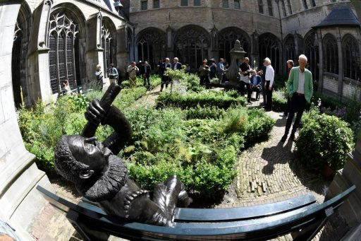 Afbeelding #006 voor het verhaal Standbeeld Hans Lipperhey onthuld in Middelburg