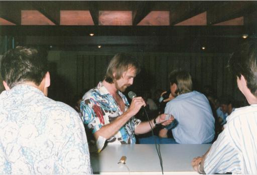 Afbeelding #000 voor het verhaal Uit de Barcodes-archieven: DJ Hans Walrave