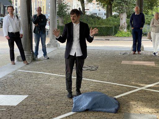 Afbeelding #001 voor het verhaal Kasper Bosmans voegt werk toe aan Podio del Mondo per l'Arte in Middelburg