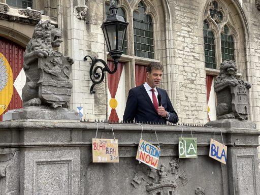 Afbeelding #012 voor het verhaal Waarom de SDG-vlag vandaag ook in Middelburg wappert