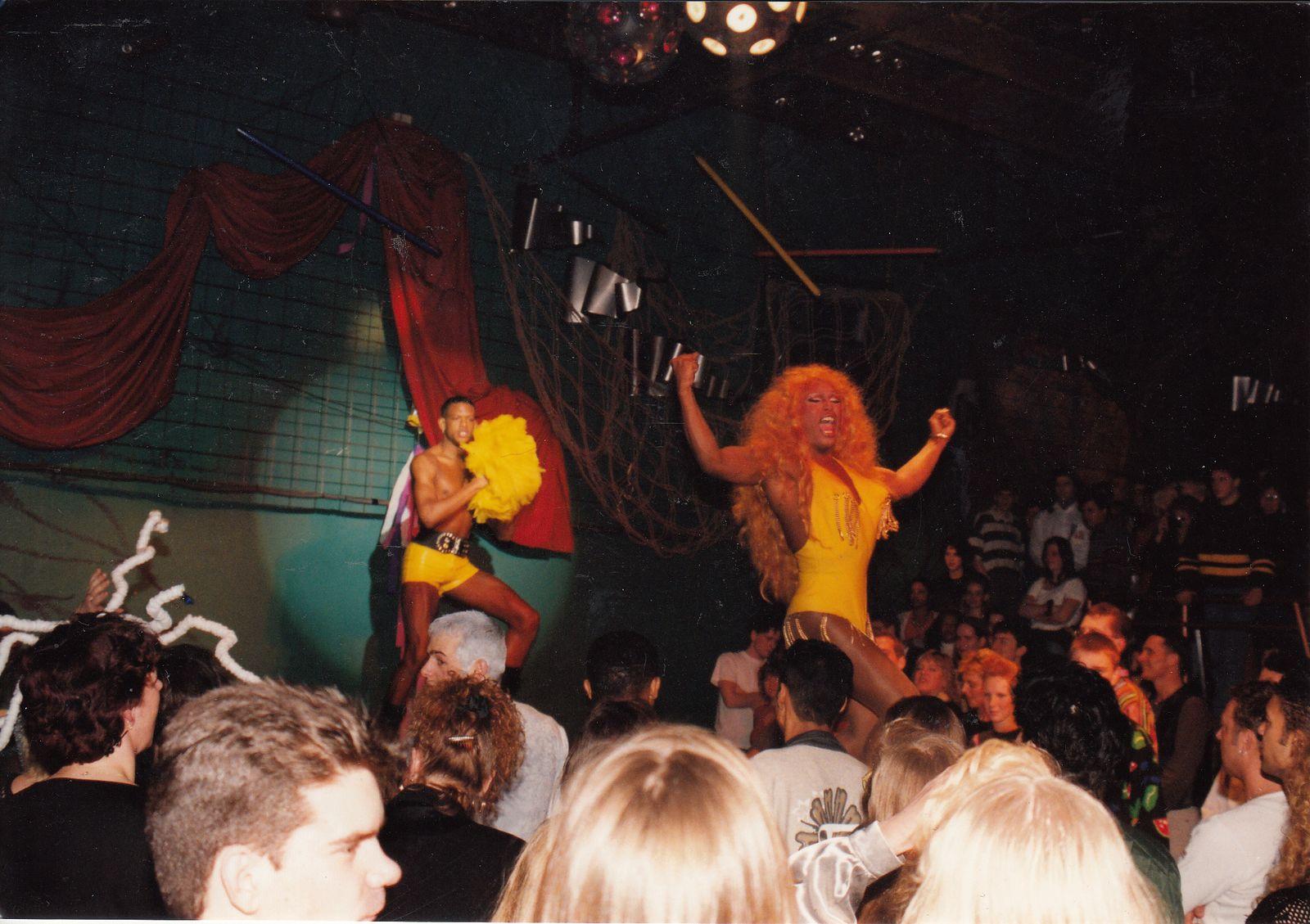 Afbeelding #002 voor het verhaal Hysterical '95 en '96: twee mooie feestjes in de Middelburgse Stadsdanszaal